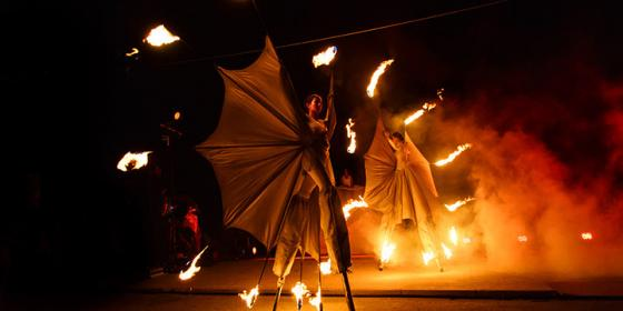 Danza del fuoco - Corona Events -